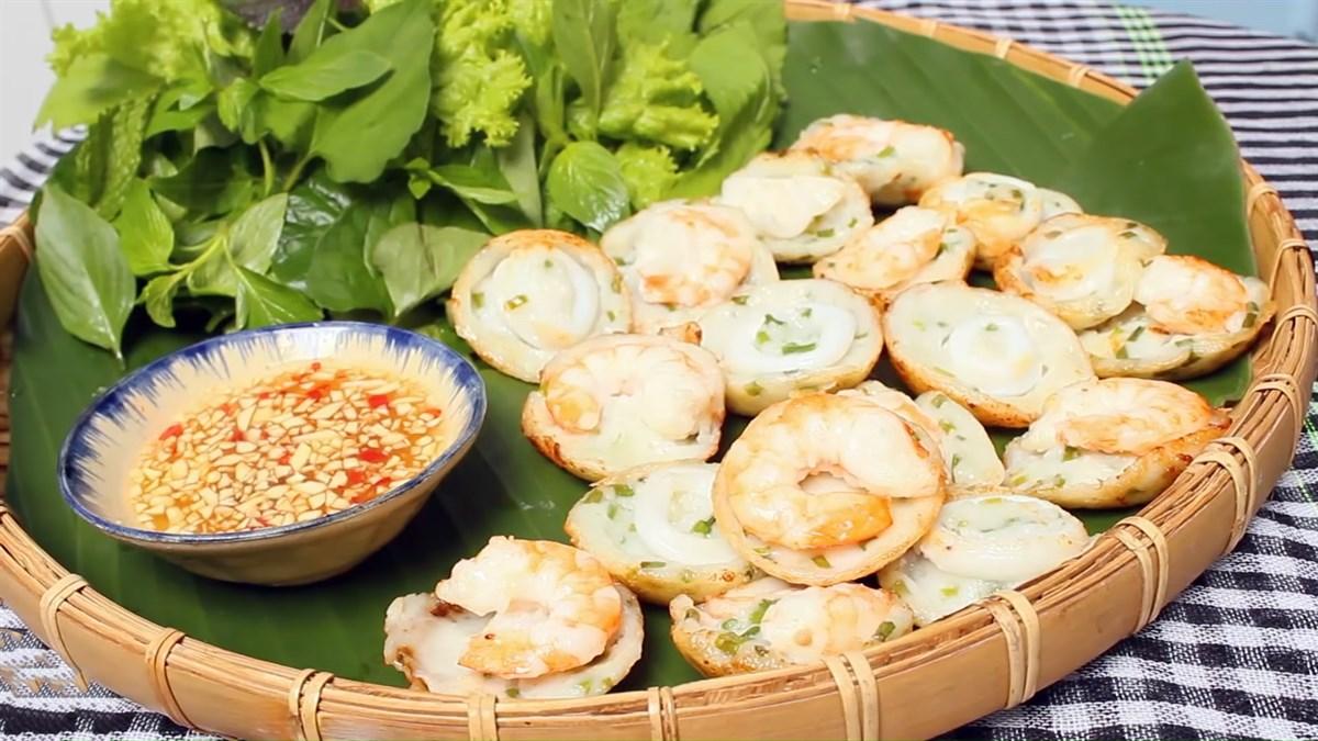Sự tinh tế trong cách chế biến món bánh khọt của người Vũng Tàu